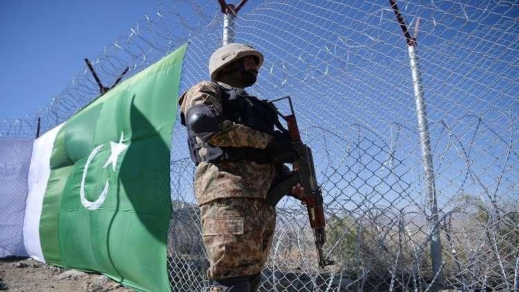 باكستان تبني حاجزا عازلا عند حدودها مع أفغانستان