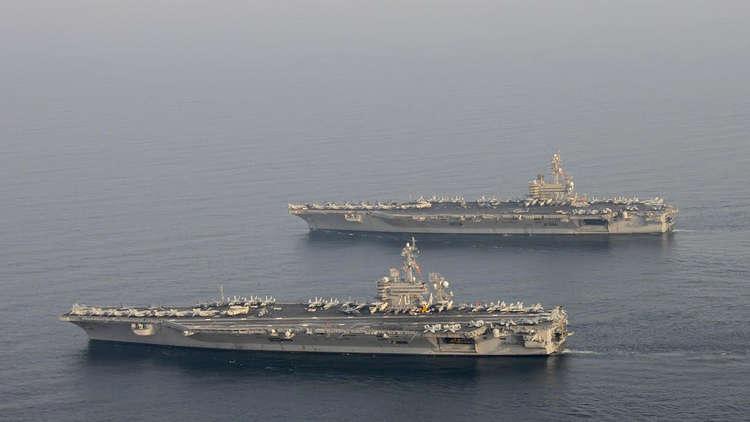 الأسطول الأمريكي في منطقة الخليج يلوح بـ