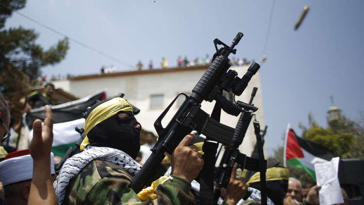 فصائل فلسطينية ترفع حالة التأهب بعد إسقاط سوريا طائرة إسرائيلية