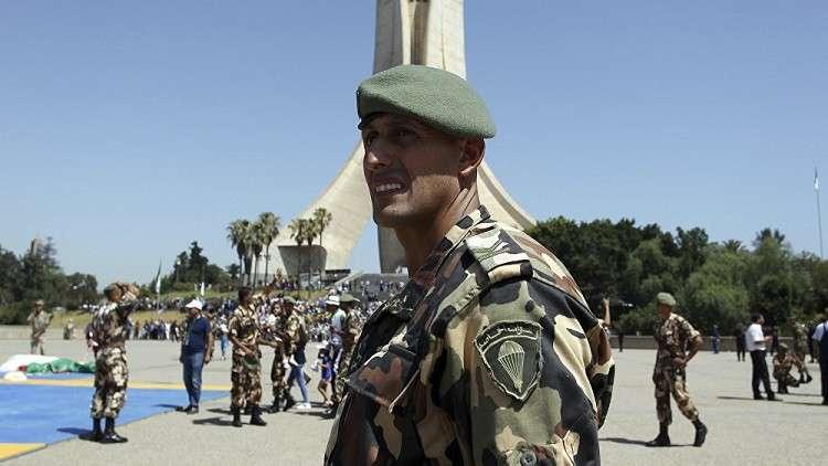 الجزائر..  تفكيك شبكة تضم 11 عنصرا على صلة بـ