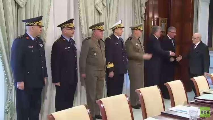 تونس.. ردود فعل على تمديد قانون الطوارئ