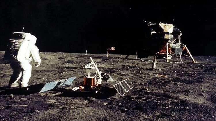 مكوك أمريكي مأهول إلى القمر عام 2023