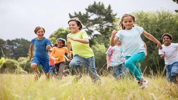 هل يؤثر أصدقاء الطفولة على معدل ذكائنا؟