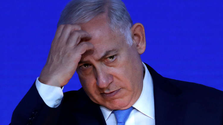 الشرطة الإسرائيلية توصي رسميا للنيابة العامة بتوجيه تهمتي تلقي الرشوة وخيانة الأمانة لنتنياهو