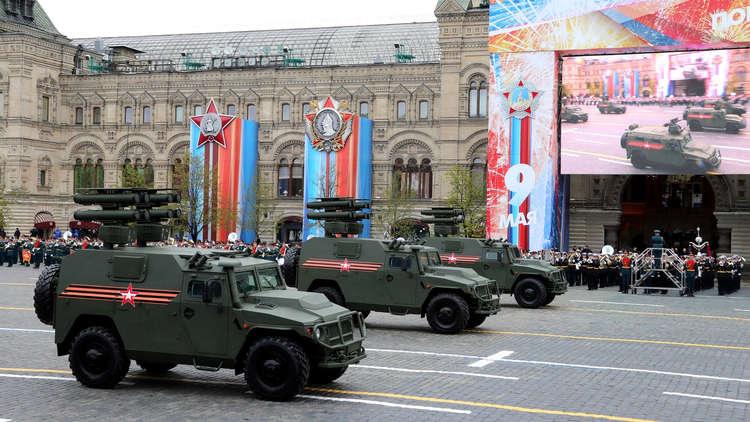 الآليات العسكرية الأوروبية والروسية في طريقها إلى الحرب