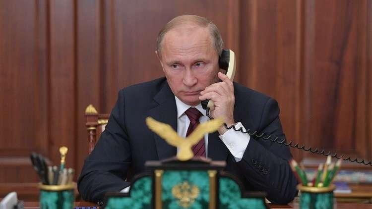 بوتين وبوروشينكو يبحثان هاتفيا تبادل الأسرى