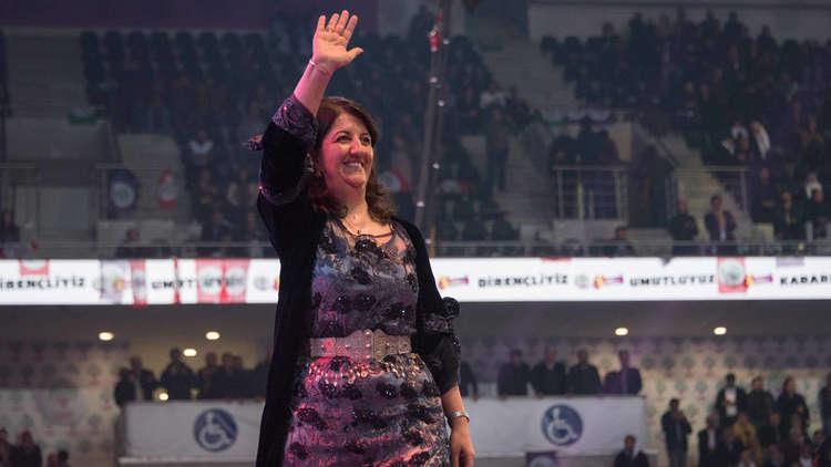 الزعيمة الجديدة لحزب الشعوب الديمقراطي تطالب بوقف التوغل في سوريا