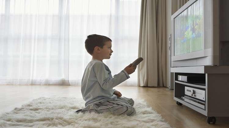 مشاهدة الأطفال للتلفاز تهدد مستقبلهم!