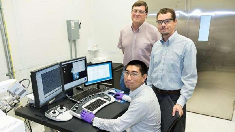 العلماء الروس يخترعون نواقل مرنة وشفافة  مصنوعة من أنابيب نانو