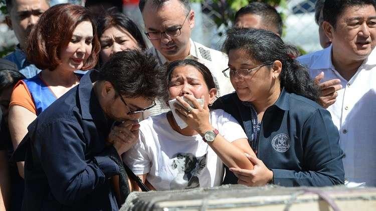 وصول جثمان عاملة فلبينية قتلت في الكويت إلى مانيلا