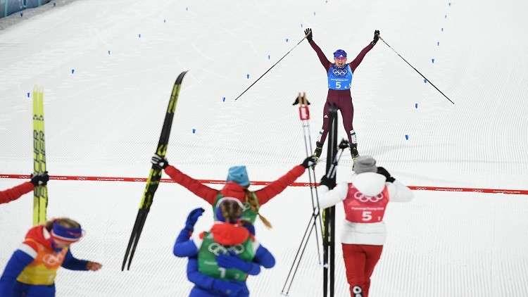 الرياضيون الروس يضيفون برونزية سباق التتابع 4×5 كم لرصيد بلادهم