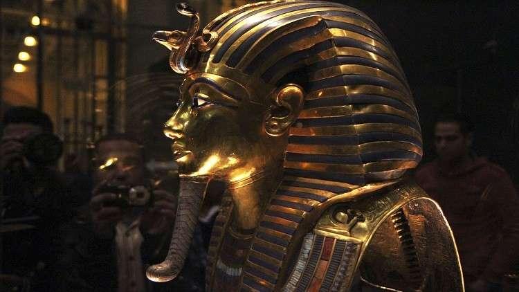 مقتنيات الفرعون الذهبي تغادر مصر 6 سنوات