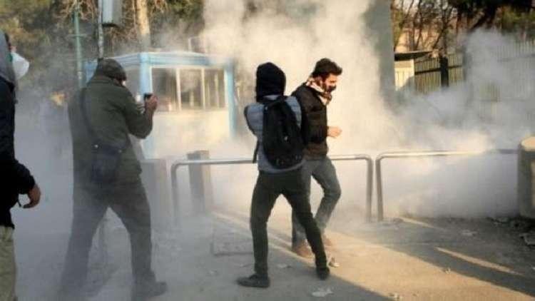 شاهد بالفيديو.. لحظة مقتل 3 ضباط إيرانيين في العاصمة طهران