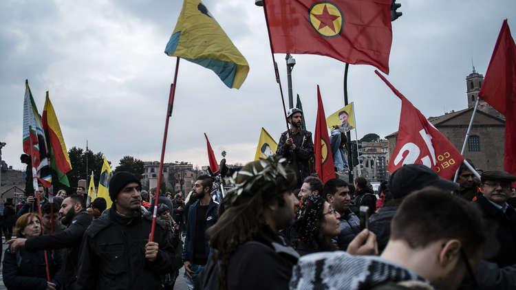 واشنطن تلمّح: الحدود مفتوحة أمام الأكراد