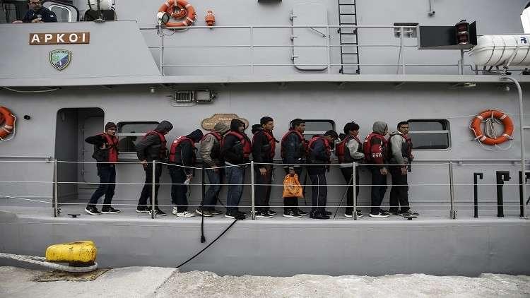 17 تركيا يطلبون اللجوء في اليونان