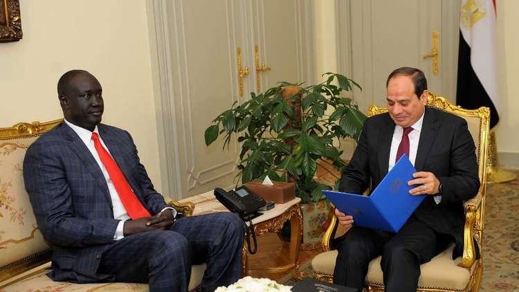 السيسي يتسلم رسالة من رئيس جنوب السودان سيلفا كير(صور)