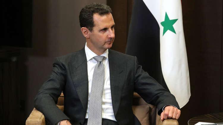 الأسد ينهي خدمات محافظي القنيطرة ودير الزور