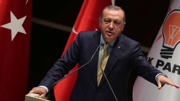 أردوغان: نستغرب من وقوف العالم إلى جانب بشار الأسد