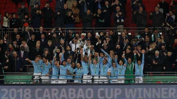 مانشستر سيتي يعانق كأس رابطة المحترفين.. فيديو
