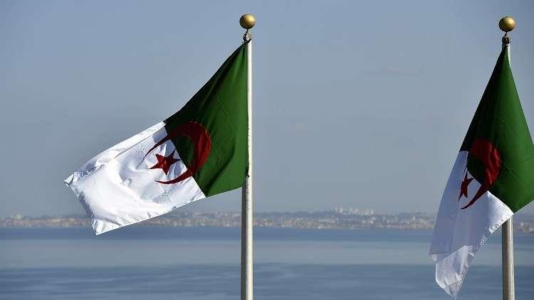 الجزائر.. تكتل نقابي يحذر الحكومة ويعلن عن إضراب شامل