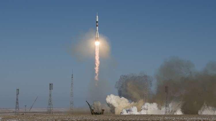 اليابان تطلق صاروخا إلى الفضاء يحمل قمرا للتجسس
