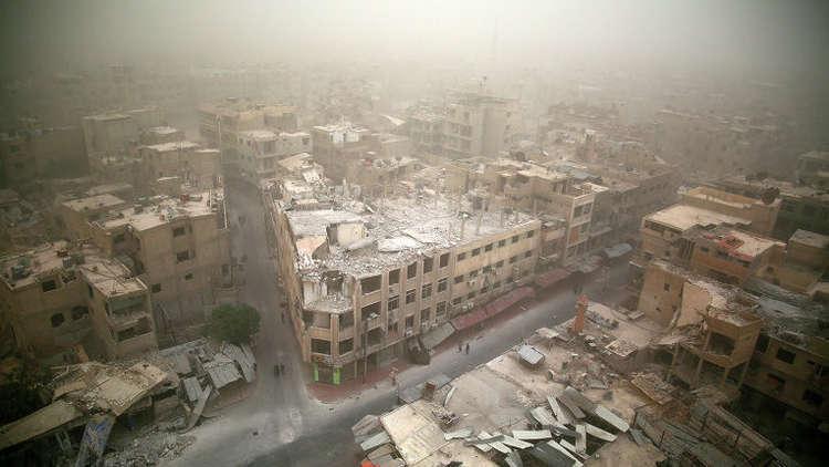 المشاهد الأولى من معبر مخيم الوافدين المخصص لخروج المدنيين من الغوطة الشرقية