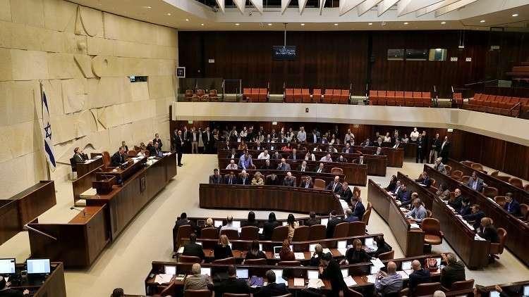 الكنيست الإسرائيلي يقر قانونا يسمح باحتجاز جثامين الفلسطينيين