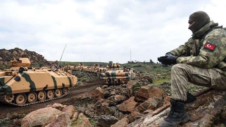 وصول تعزيزات عسكرية تركية جديدة إلى الحدود مع سوريا