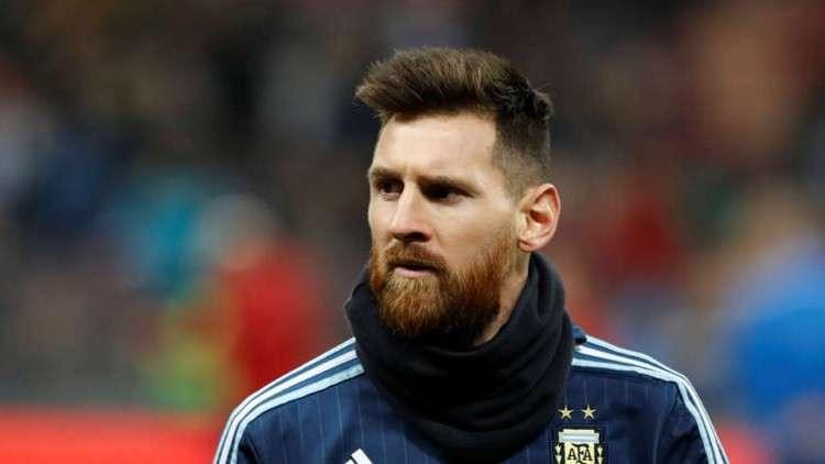 مدرب المنتخب الإيراني يطالب الفيفا بمنع ميسي من ممارسة كرة القدم!