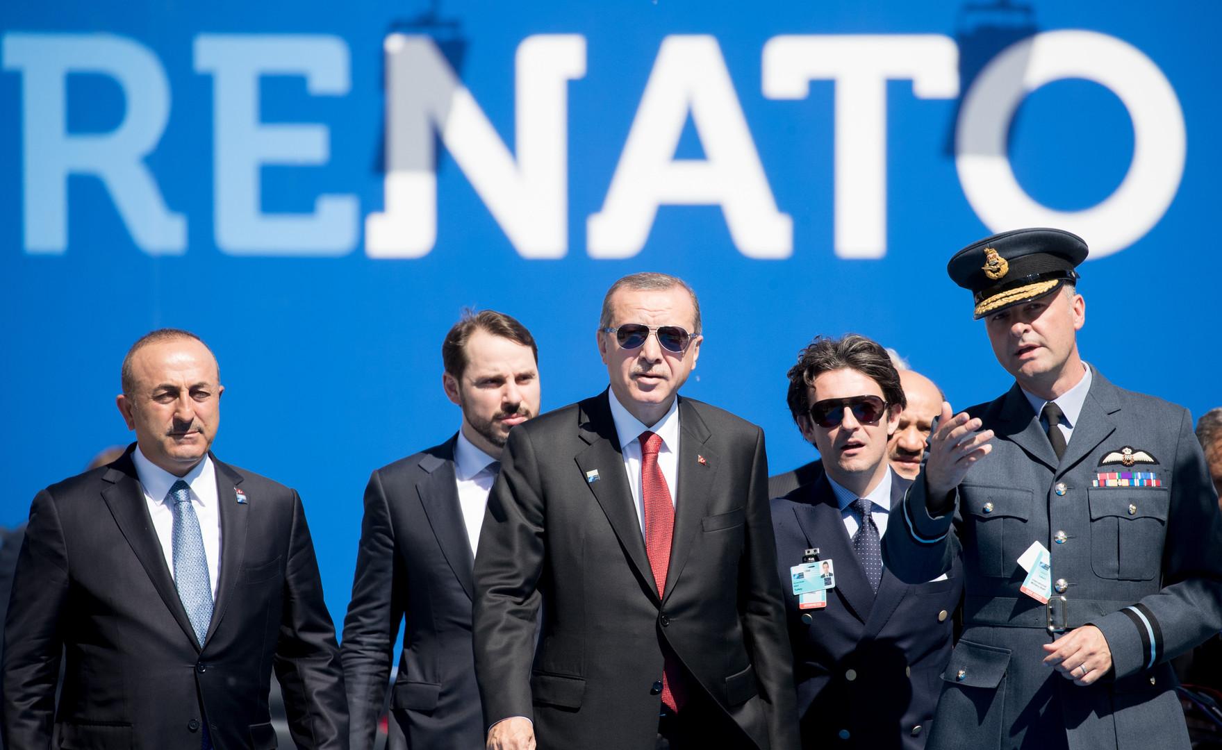 تركيا تخرج من الناتو إلى البحر الأحمر