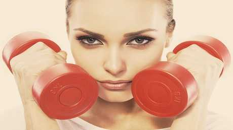 تحذيرات من وضع مستحضرات التجميل أثناء النشاط الرياضي
