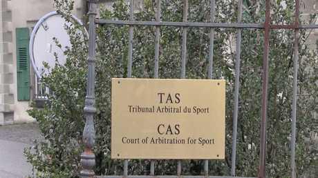 رفع العقوبات عن رياضيين روس