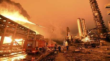 صورة ارشيفية لحريق في مصنع كيميائي صيني