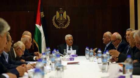 محمود عباس في اجتماع لمنظمة التحرير الفلسطينية - أرشيف