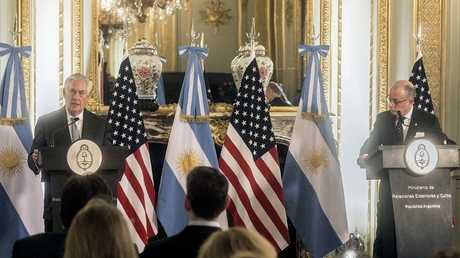 وزيرا الخارجية الأمريكي تيلرسون والأرجنتيني فوري
