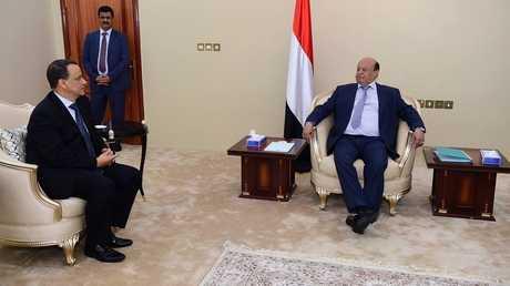 الرئيس اليمني عبد ربه منصور هادي والمبعوث الأممي إسماعيل ولد الشيخ أحمد - أرشيف