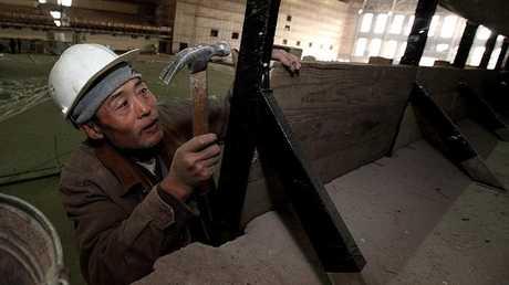 عامل من كوريا الشمالية في الشرق الأقصى الروسي