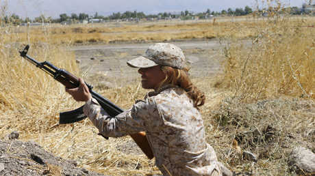إحدى مقاتلات البيشمركة في العراق