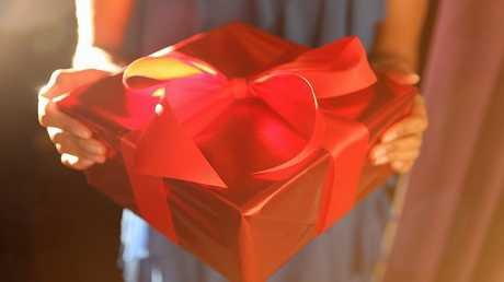 باكستان تحظر جميع مظاهر الاحتفال بعيد الحب