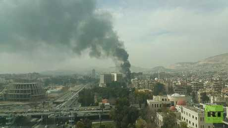 مسلحون يستهدفون بصواريخ فنقد الداما روز وسط دمشق واندلاع حريق كبير داخله