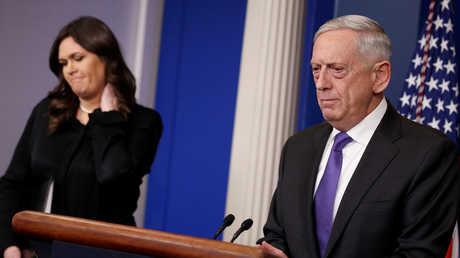 وزير الخارجية الأمريكي جيمس ماتيس والمتحدثة باسم البيت الأبيض سارة ساندرز