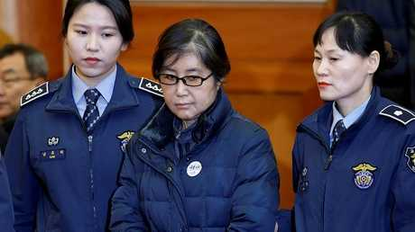 شوي سون سيل، الصديقة المقربة لرئيسة كوريا الجنوبية السابقة باك غن هيه