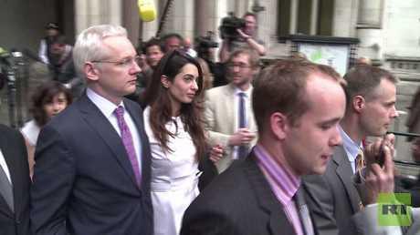 محكمة لندن ترفض إلغاء مذكرة اعتقال أسانج