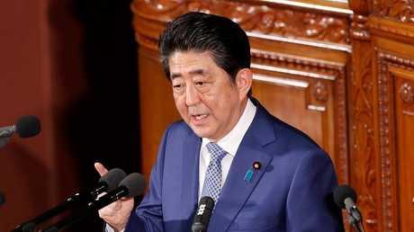 رئيس الوزراء الياباني شينزو آبي، أرشيف