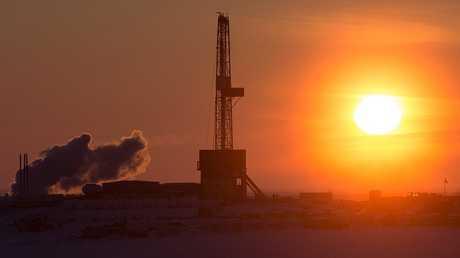 """""""أرامكو"""" السعودية تدرس الاستثمار في شركة خدمات نفط روسية"""