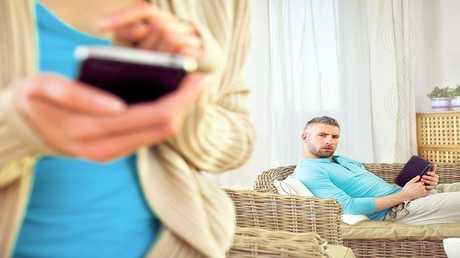 النساء الأقل جاذبية أكثر ميلا لخيانة أزواجهن