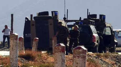 أرشيف - جنود من الجيش الجزائري في مهمة