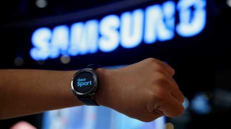 """ساعة """"Samsung Gear Sport"""" الذكية"""