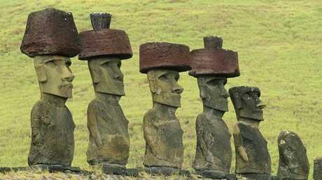 تماثيل المواي في جزيرة القيامة