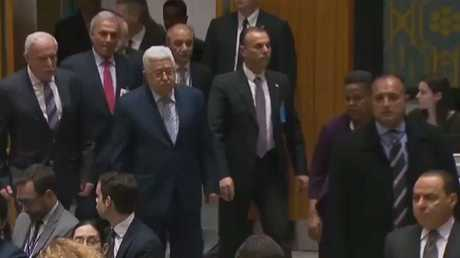 عريقات: خطة محمود عباس فرصة تاريخية